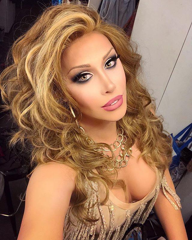 Фото транс девушек, сиськастая порно звезда бабетта