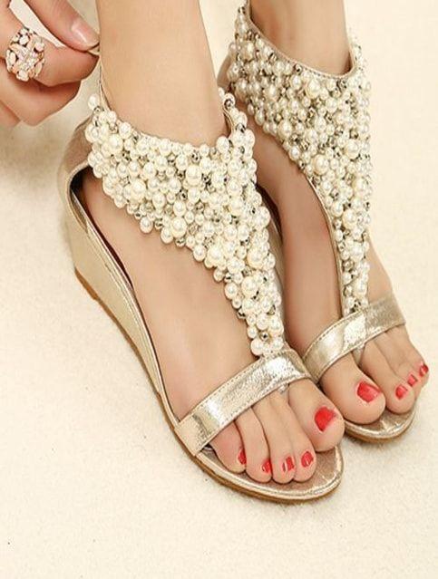 556c0cf9086b4 Fancy Ladies Sandals With Stylish Beats