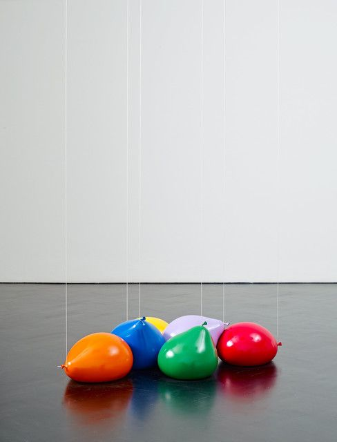 TOM FRIEDMAN Gravity, 2014 Plaster, paint, and string 9 × 42 × 28 in