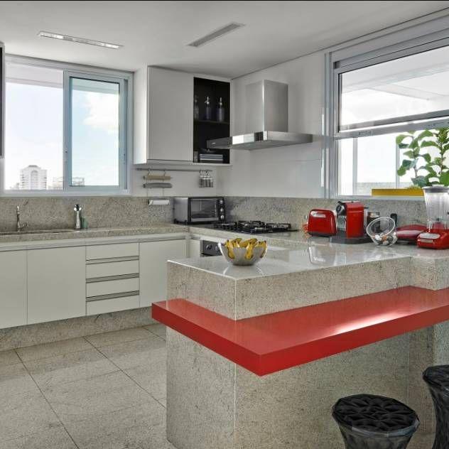 Encontre agora as ideias certas para a sua cozinha. 63301 Fotos de cozinhas para lhe inspirar o sonho de viver.
