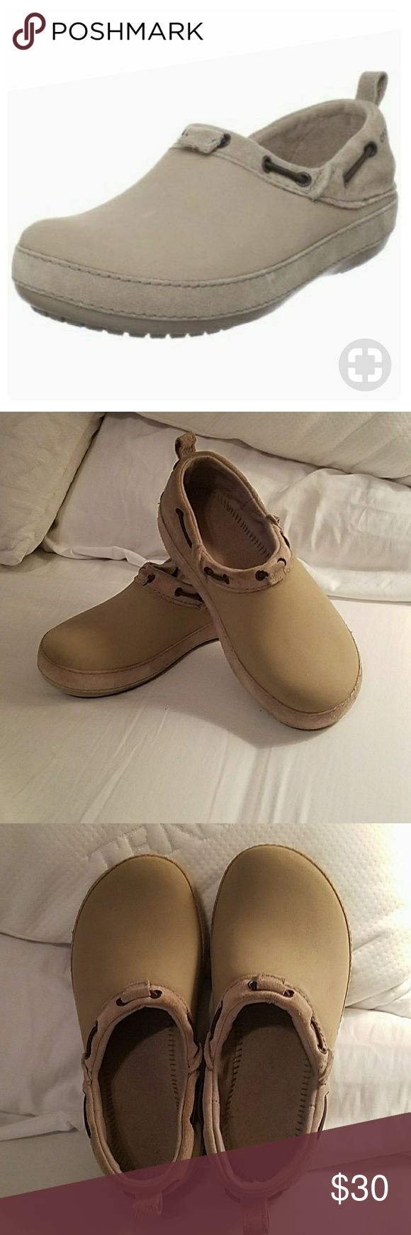 Women's Crocs Surrey Suede Clogs in Beige, 9 Crocs in excellent condition! These are almost new. No signs of wear. Suede and man made materials. Size 9, but I think these fit like an 8.5. Very comfortable! CROCS Shoes Mules & Clogs