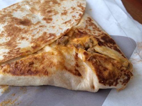 REVIEW: New Grilled Stuft Nacho from Taco Bell