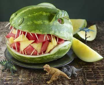 SUR LA TRACE DES DINOS. Une pastèque tête de dinosaure !