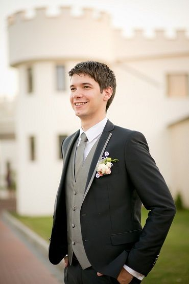 Perfect groom suit!