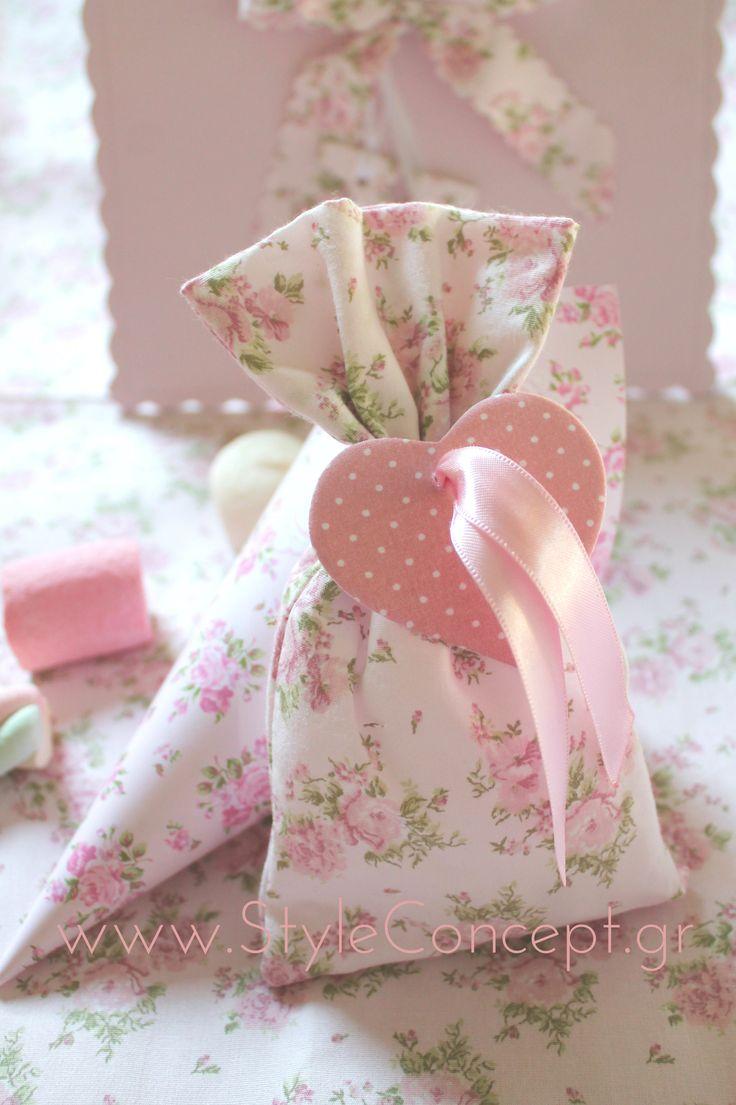 Μπομπονιέρα ροζ Floral πουγκί με καρδούλα