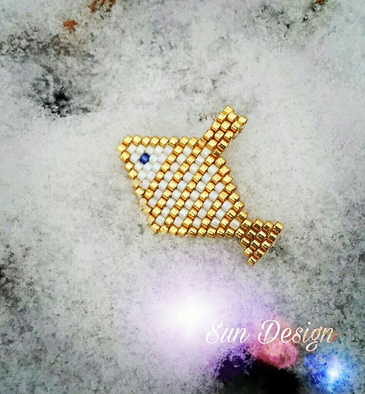 Minik Balık #miyuki #beads #fish #peyote #brick #stitch #bracelet #gold #silver #fashion #takı #tasarım #balık #kolye #bileklik #love #altın #gümüş #pattern #boncuk #beads #sundesign
