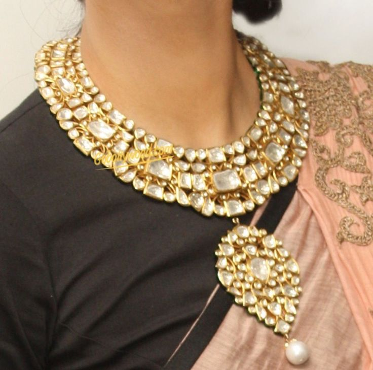 Just love this polki necklace.