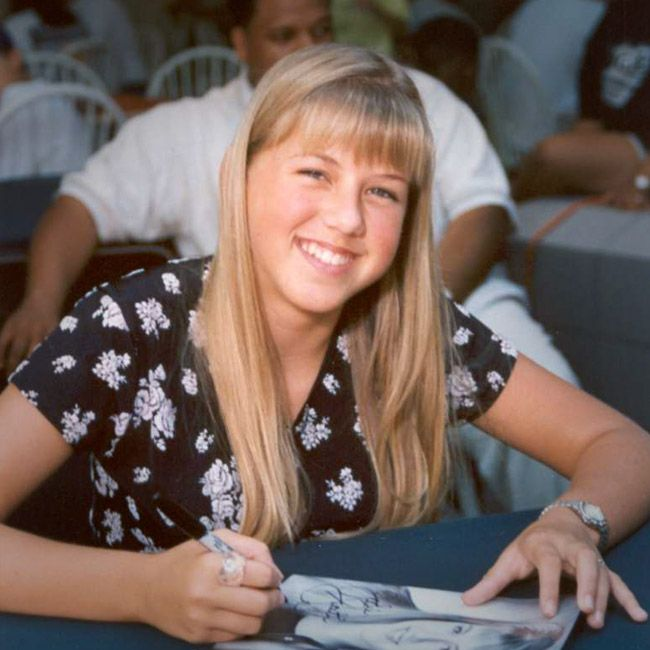 'Full House' actress Jodie Sweetin is no stranger to drug and alcohol addiction. Her Full House cast mates staged an intervention for her in 2004 and she began her journey in recovery. In 2009, she chronicled her recovery in a book called UnSweetined: A Memoir.  If you are struggling with an addiction, seek help today. Call us at (888) 309-3385 or visit us online at www.scottsdalerecovery.com.  #scottsdalerecoverycenter #drugrecovery #alcoholrecovery #celebrityrecovery #intervention