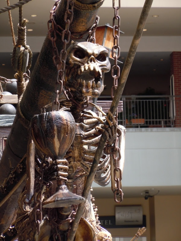 Pirate Ship Skeleton Figurehead Would Look So Awesome