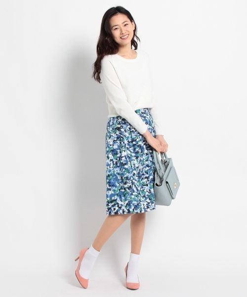 ワールドの直営通販サイトWORLD ONLINE STOREへようこそ。こちらはSOUP(スープ)のアートプリントスカートのアウトレット商品ページです。大人気商品を30%OFFで販売中。