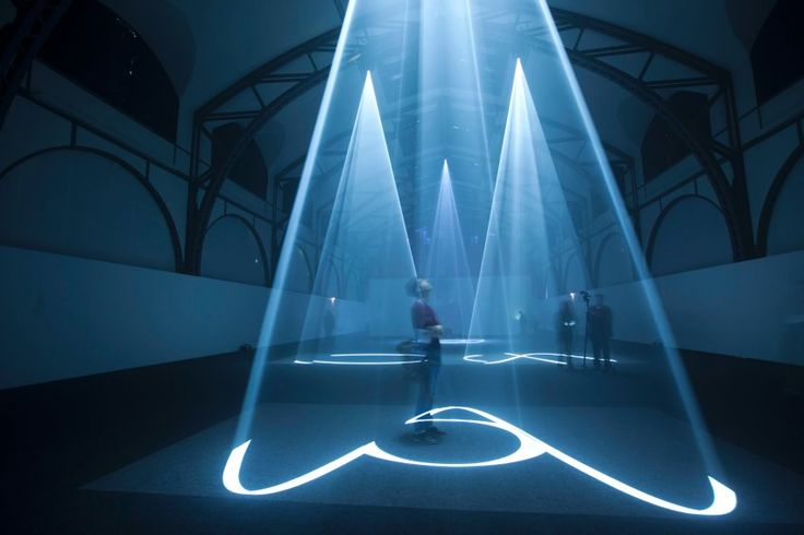 Anthony McCall: Five Minutes Of Pure Sculpture, Berlin