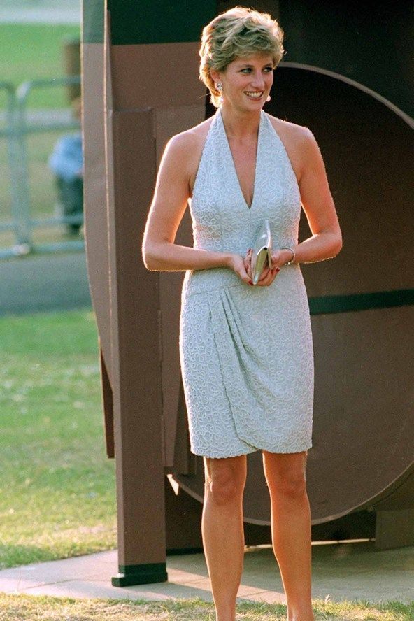 Αποτέλεσμα εικόνας για Princess Diana arrives at the Serpentine Gallery, London, June 1995 Catherine Walker dress pics