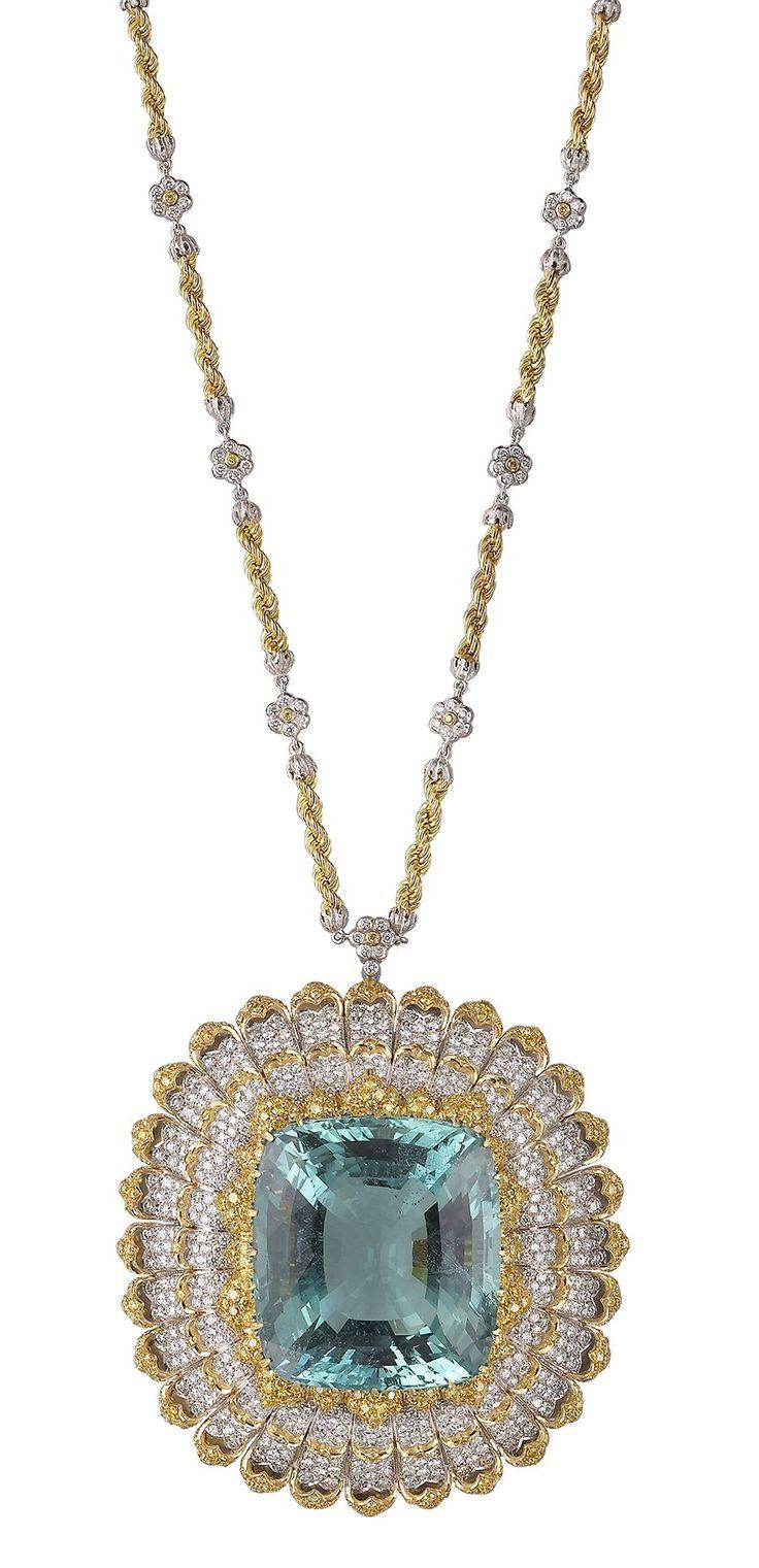 Pendente/brooch in oro bianco e giallo con acquamarina sfaccettata e diamanti gialli e bianchi