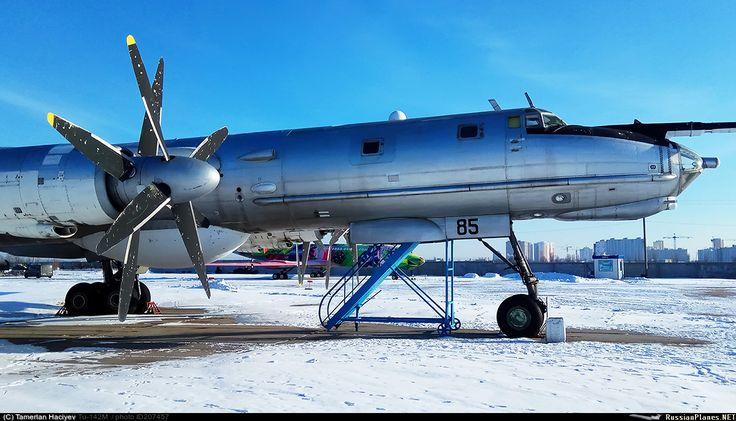 Tupolev TU 142