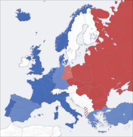 dit is een kaart van de koude oorlog je ziet dat het in 2 blokken zijn verdeeld oost en west Duitsland