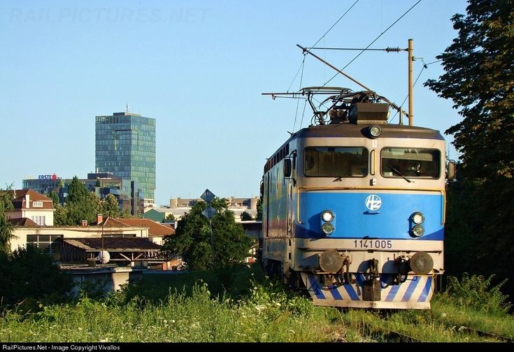 RailPictures.Net Photo: 1141 005 Croatian Railways 1141 at Zagreb, Croatia by Vivallos
