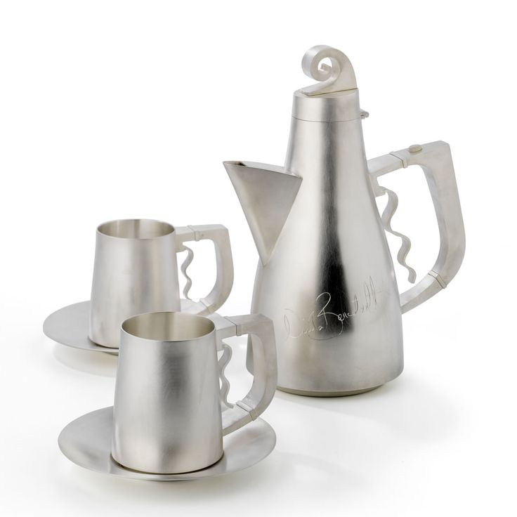 Hot chocolate set by Roger Millar, the details include references to Nicola Benedetti's passion, music.