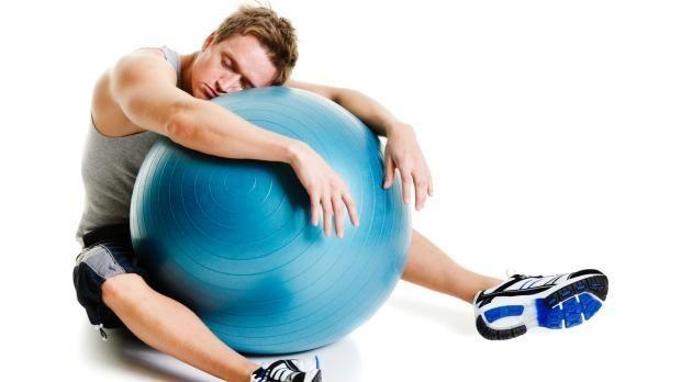Боль в пояснице у спортсменов  #osteohondroz #antibolit #Гульнара_Самигулина Спортсмены всегда находятся в группе риска по травме позвоночного столба из-за высокой физической активности. Будь то лыжный спорт, баскетбол, футбол, гимнастика, фитнес, атлетика, теннис - позвоночный столб испытывает значительные нагрузки, поглощая осевое, ротационное, сгибательное давление. Это давление вызывает травматизацию структур позвоночного столба.  Хотя вся нагрузка во время физических активностей…