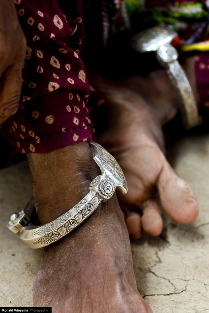 India | Anklet detail worn by a Meghwal woman.  Gujarat. | ©Roland Vriesema