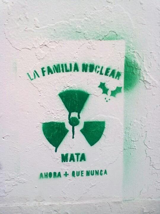 La familia nuclear mata