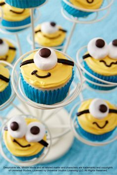 Now showing: Despicable Me cupcakes for your little Minion's birthday party!