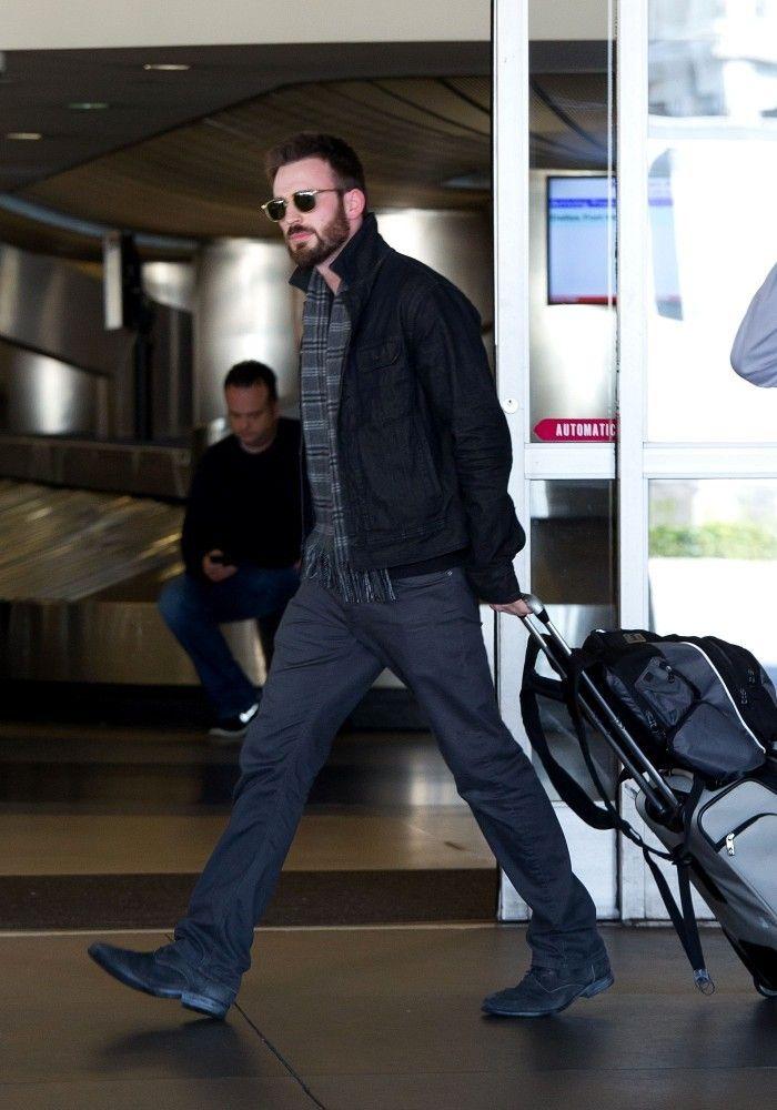 Chris Evans Photos: Chris Evans at LAX