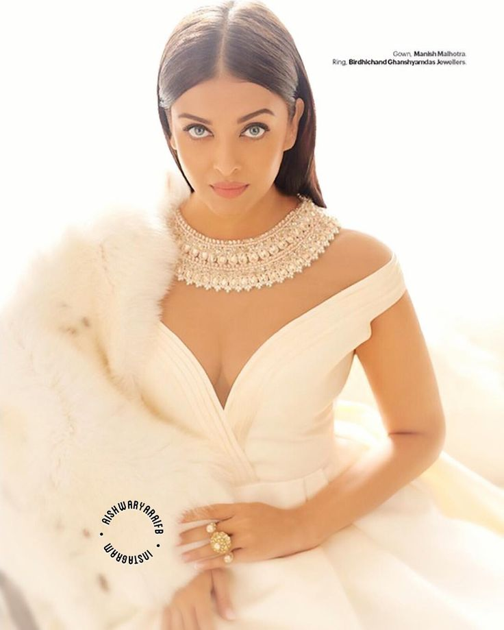 #1 source for all about the Global Icone Of India #AishwaryaRaiBachchan Follow for latest news,updates & pics  ❀・✿・❀ яєιєαѕє∂: ・#AeDilHaiMushkil↓