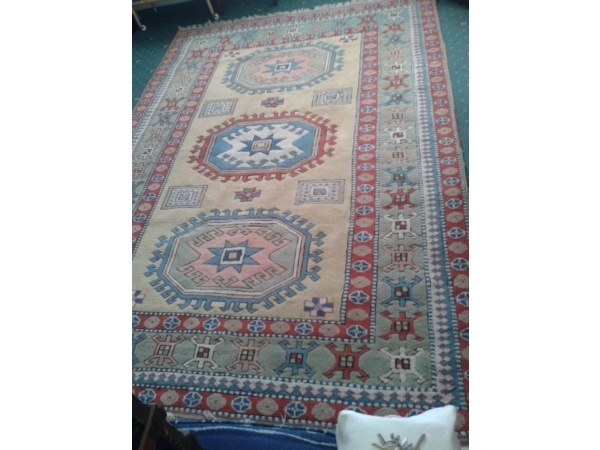 267x187 cm £70 CambridgeELMAZ RUG * LARGE * AZTEC INDIAN STYLE * Cambridgeshie Picture 1