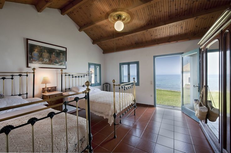 Absolute Waterfront Villa Bedroom