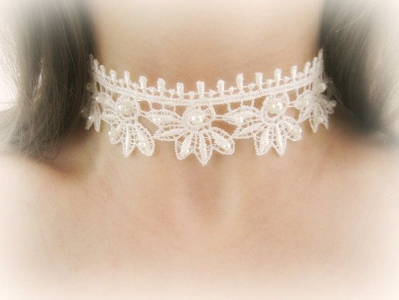 Ivory lace choker necklace embroidered lace by MalinaCapricciosa