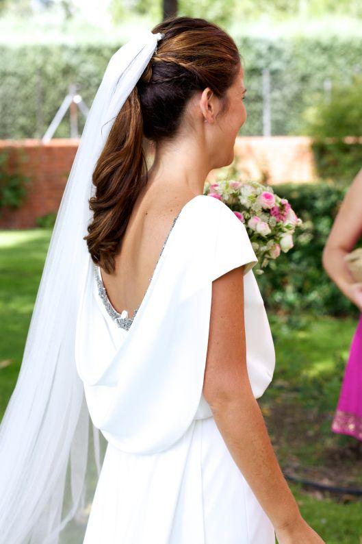 boda virginia andres vestido crepe art deco vintage espalda aire ramo rosas pitimini velo tul 6