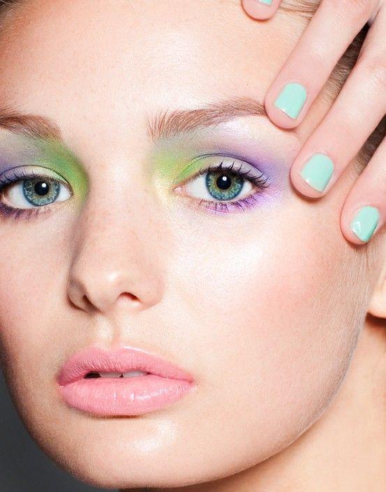 Winter 2013 trend | Pastel eye make-up