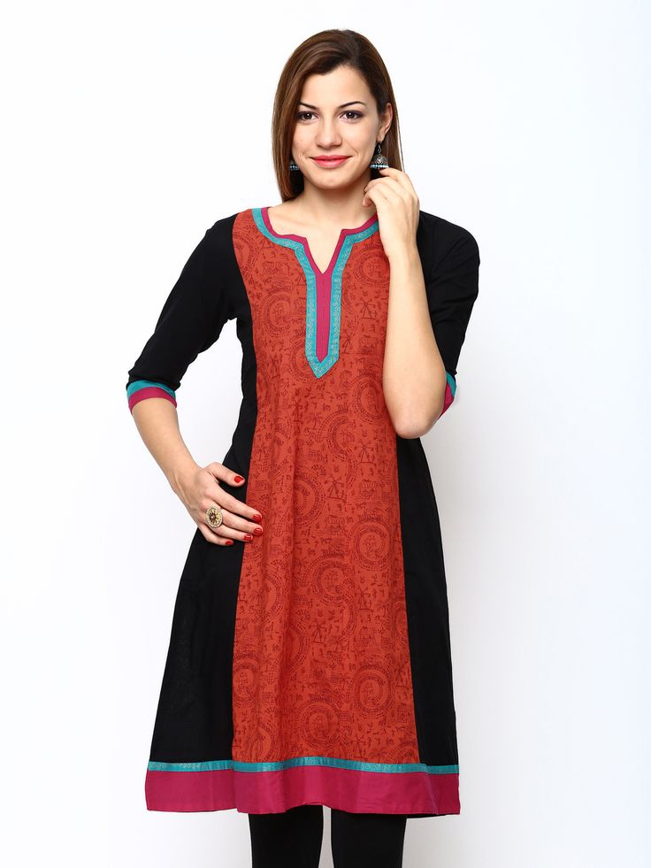 Shree 100% #cotton #printed A-line #kurti with a sweetheart neck with contrast 3/4th sleeve, contrast #taping on neck line/cuffs/hem.