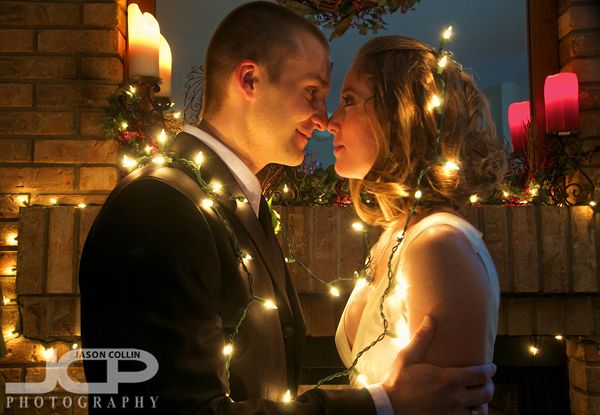 Christmas wedding photoChristmas Cards, Photos Ideas, Brides Grooms, Holiday Lights, First Christmas, Christmas Lights, String Lights, Engagement Photography, Christmas Wedding Photos