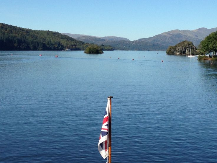 Lovely day sailing from Lakeside to Ambleside X