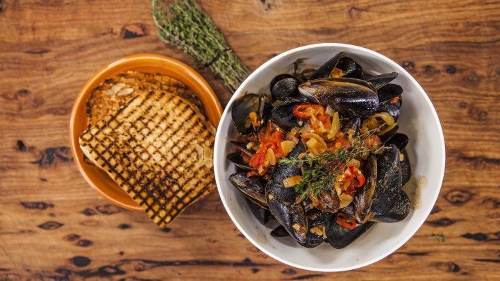 Mussels in a rich Tomato Sauce with Crusty Bread