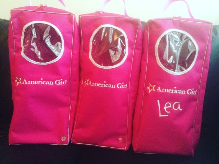 Listos para entregar....estos bellos bolsos transportadores de las muñecas favoritas de las princesas de casa! #doll #americangirldoll #americangirlbrand #americangirlstore #americangirldollbackpack #backpack #bolsos #muñeca #hechoamano #personalizado #hechoenvenezuela #arboldevida