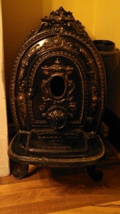 1877 Thomas White Social No.1 antique parlor stove.