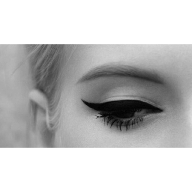 Vintage cat eye: Cats, Make Up, Eyeliner, Style, Cat Eyes, Makeup, Cateye, Beauty, Hair