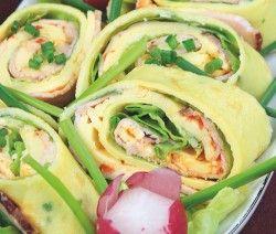 NALEŚNIKI Z SAŁATĄ  Składniki: Ciasto:  2-3 jaja, 1 płaska łyżka mąki pszennej, 1 płaska łyżka drobno, pokrojonej natki pietruszki, 1 łyżka startego parmezanu, tłuszcz. Nadzienie:  http://siostra-anastazja.pl/przepis/nalesniki-z-salata.htm  pancakes with salad, polish cuisine