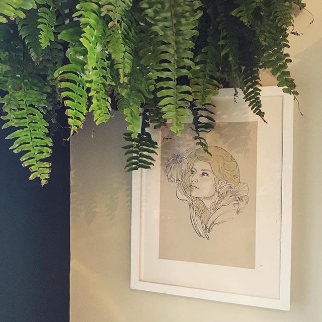 Just hung a beautiful plant above my self-portrait - dressing with beautiful ferns #interiorstyling #waltoninteriors #waltoninteriorsandstyling #planthangers #art #selfportrait #selfportraits #london