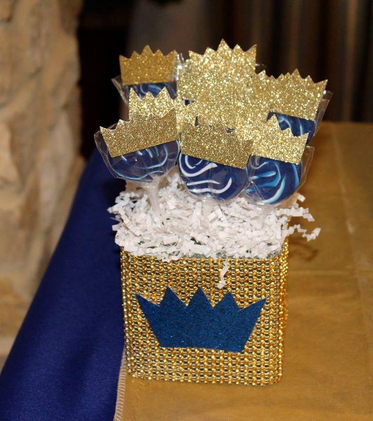 Royal themed baby shower #lollipops #crowns #sweetstylist #sweetlystyledevents…