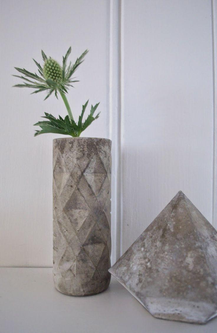 Concrete vase DIY...