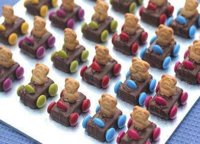 Race Car Teddy Bears. Teddy Grahams, mini candy bars, and Spree candies. Prefect for a baby shower!