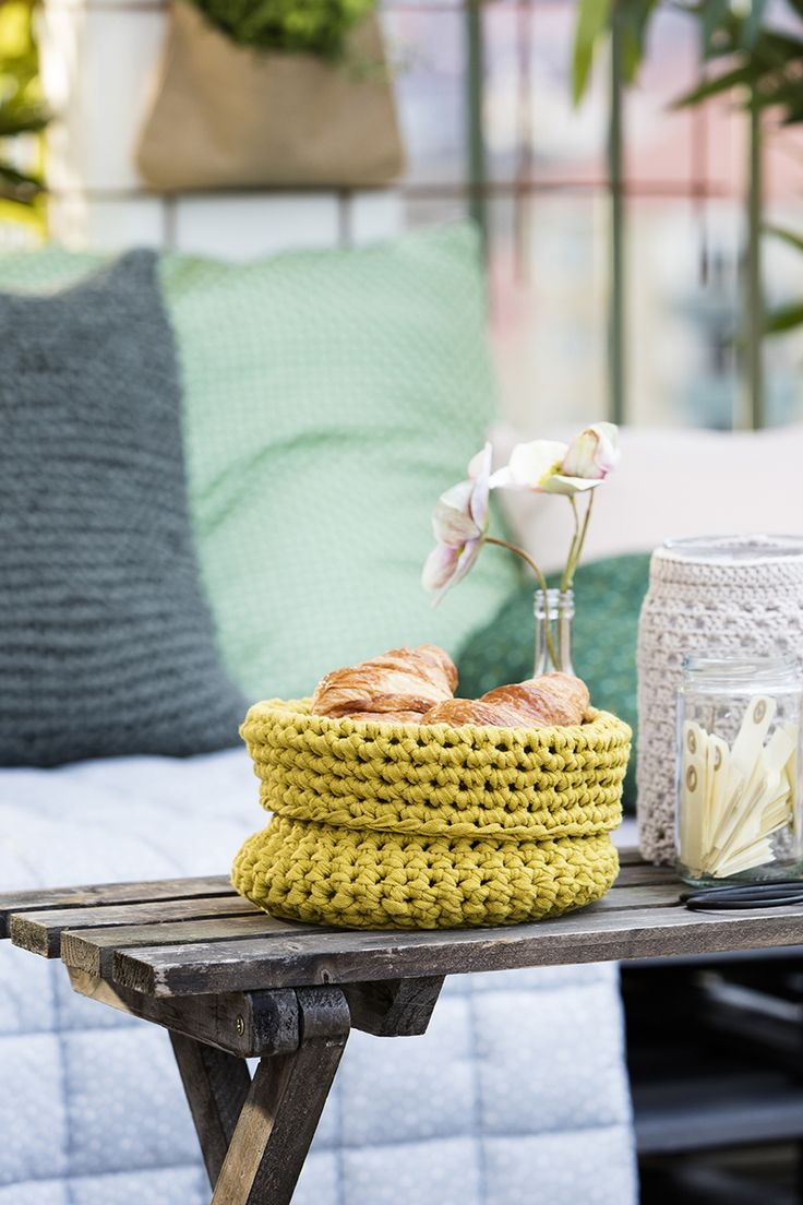 Crochet a basket www.pandurohobby.com Outdoor living by Panduro #decoration #DIY #cushions #throws #urban #farming