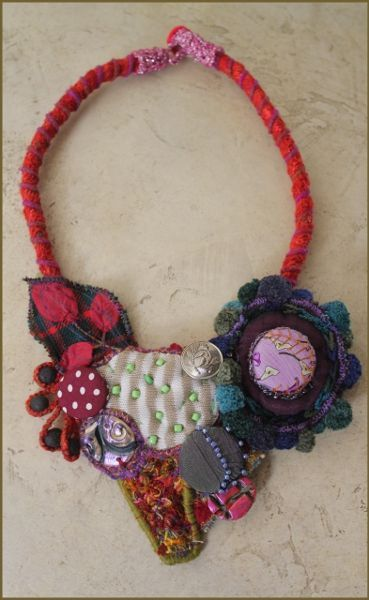 i am so in love with this fiber art necklace! # Odile Mandrette
