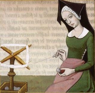 XCIII-Epicharis filant. Femme romaine affranchie (EPICHARIS, a freedwoman) -- Giovanni Boccaccio (1313-1375), Le Livre des cleres et nobles femmes, v. 1488-1496, Cognac (France), traducteur anonyme. -- Illustrations painted by Robinet Testard -- BnF Français 599 fol. 79v -- See also at: https://commons.wikimedia.org/wiki/File:Epicharis_BnF_Fran%C3%A7ais_599_fol._79v.jpg