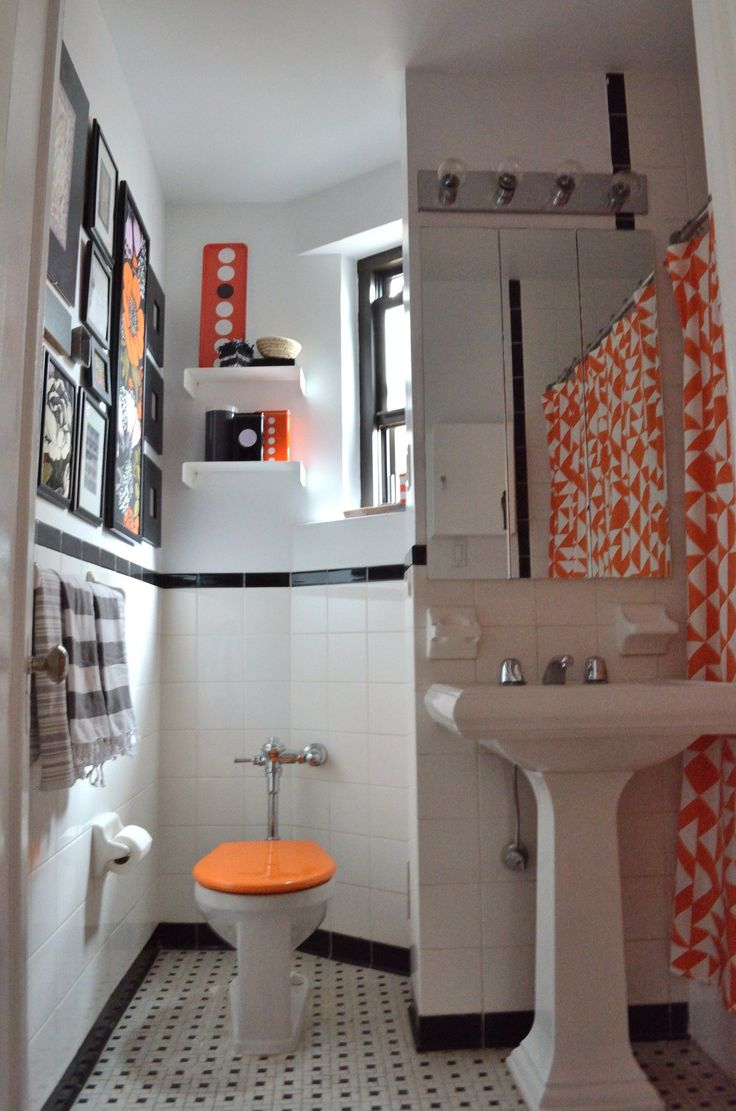 17 best ideas about orange bathrooms on pinterest orange for Bathroom ideas apartment therapy