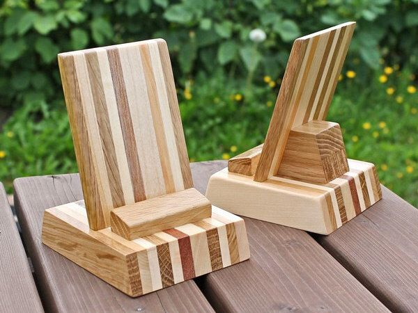Wooden Phone stand, Smartphone stand, iPhone stand. by oiwion on Etsy https://www.etsy.com/listing/243456963/wooden-phone-stand-smartphone-stand