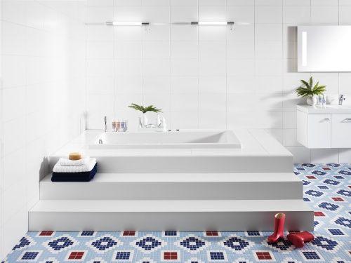 inbyggt badkar å fint golv